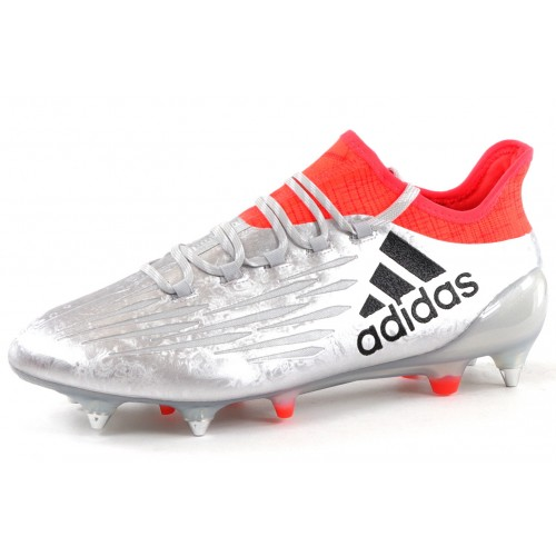 the latest f8a6f 102f8 Chaussures Football - Brands-Expert - Brands-expert